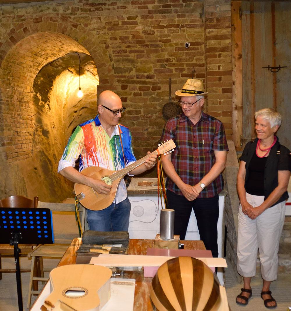 http://santangelofestival.it/wp-content/uploads/2018/04/SantAngelo-Festival-costruzione-strumenti-musicali-1-1.jpg