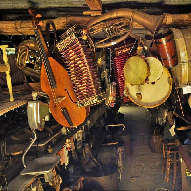 http://santangelofestival.it/wp-content/uploads/2018/05/Strumenti-musicali-marchigiani-SantAngelo-in-Pontano.jpg