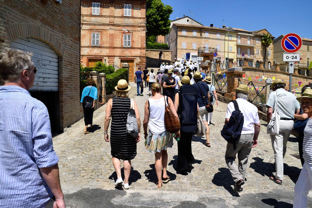 https://santangelofestival.it/wp-content/uploads/2018/04/Sant-Angelo-Festival-visite-guidate.jpg